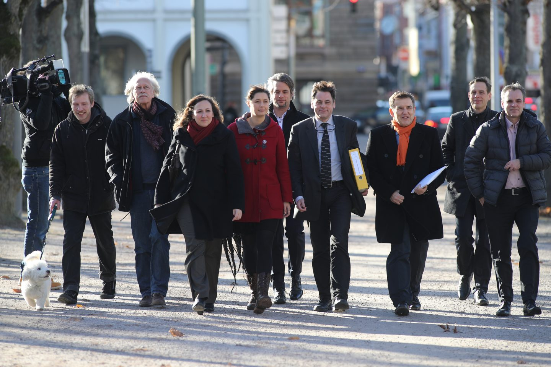 Meinhard Starostik und MItstreiter reichen die Verfassungsbeschwerde gegen die VDS ein
